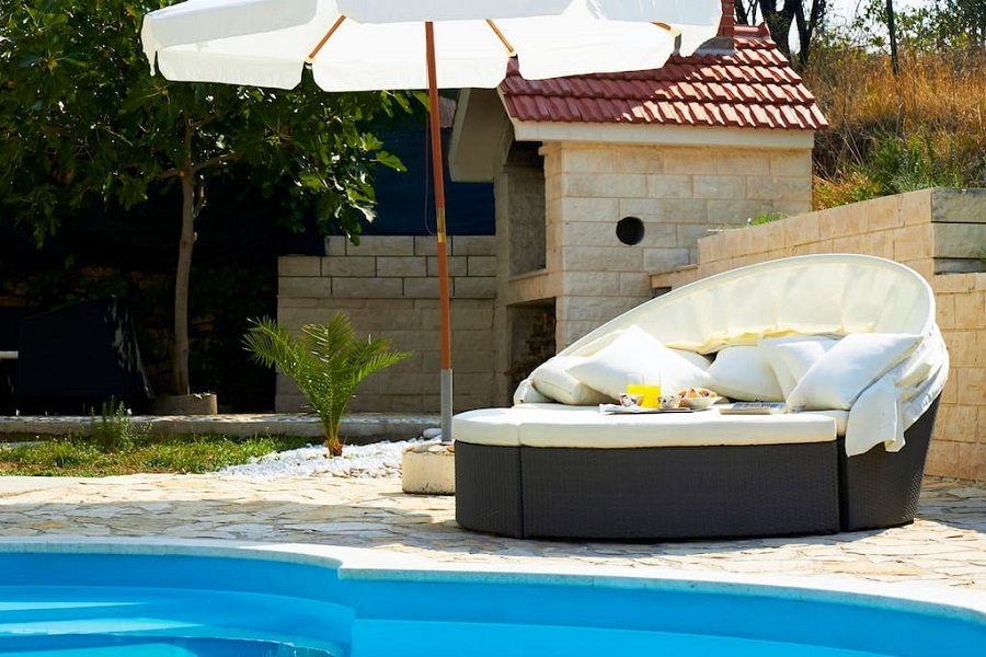 Sun lounges at the pool