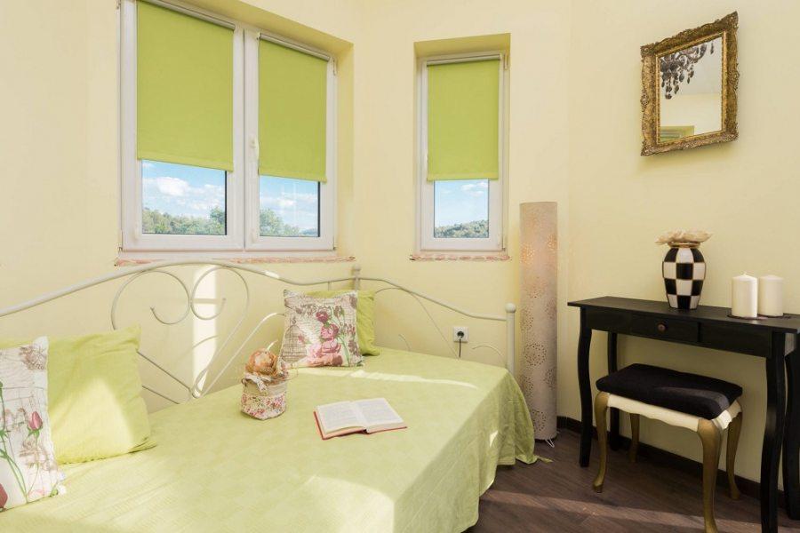 Soba s bračnim krevetom i ležajem za 1 osobu