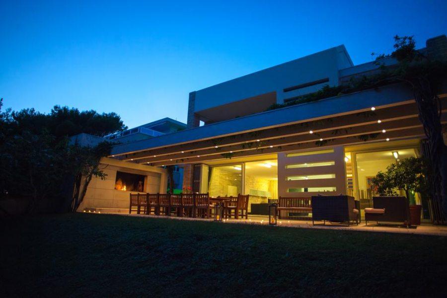 Villa Emilia at night