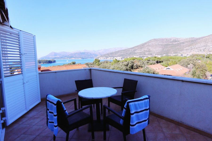 Apartment for 2+1 pax - Balcony with sea view