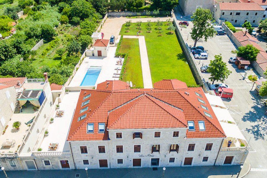 Villa Riva apartments