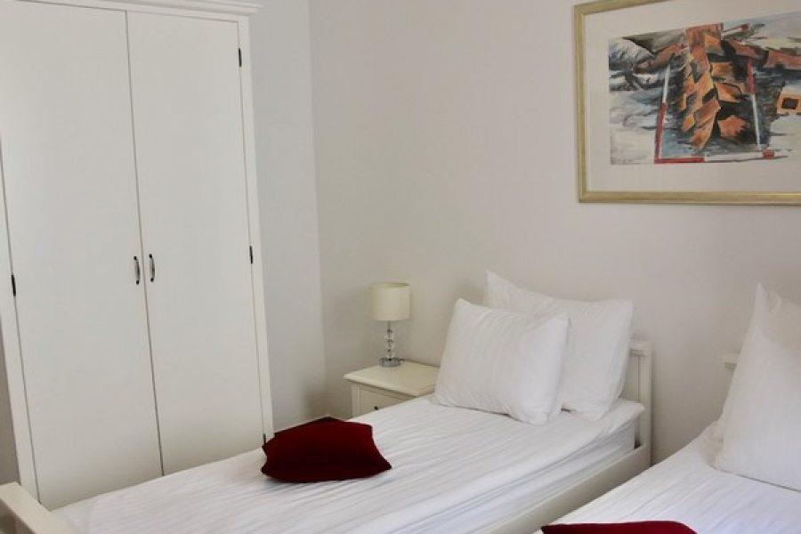Twin bedroom in 4+1 ap.