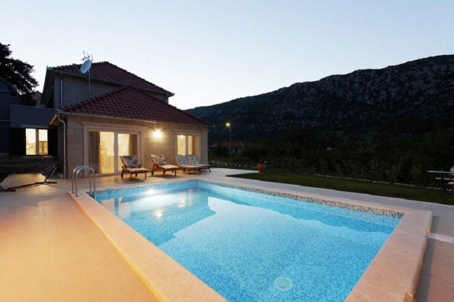 Villa Anamarija with pool